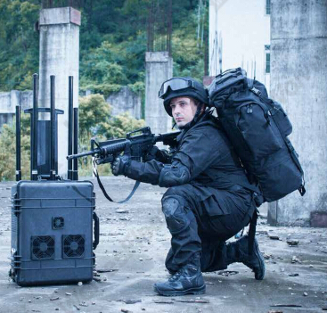 High-power Portable DDS Multi-band Bomb Jamming System
